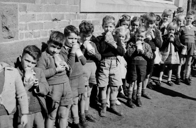school_milk_1950